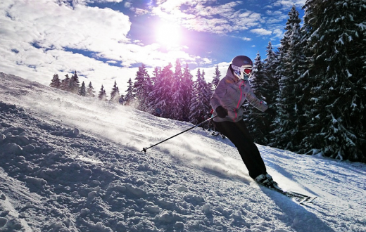 girl-skiing