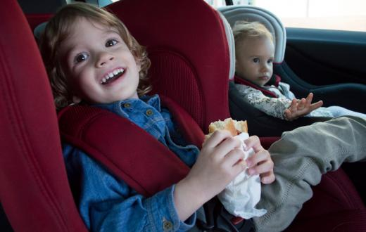Kids eating in car