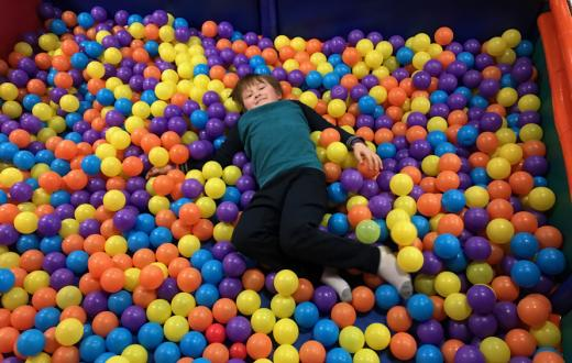 kidz happy hour ball pit