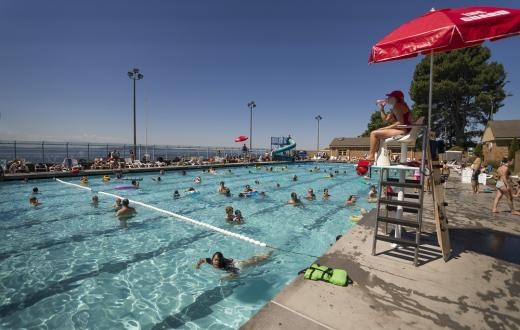 Colman-pool-seattle-best-summer-activities-outings-kids-families