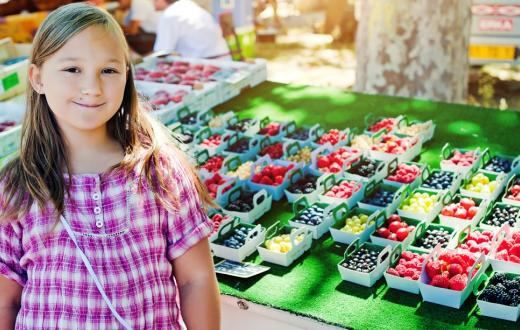 best-farmers-markets-kids-seattle-summer