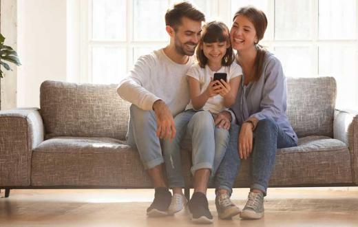 family on cell phone