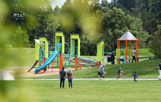 Best-eastside-parks-playgrounds-kids-families-bellevue-redmond-kirkland-issaquah