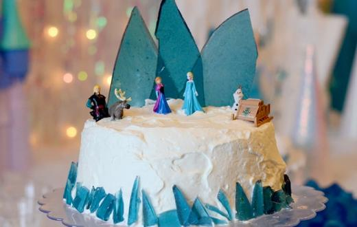 Frozen-themed-birthday-cake