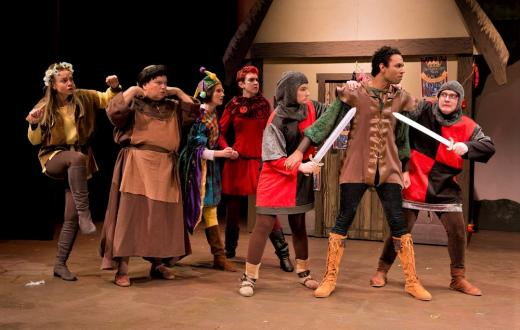 Centerstage-theatre-holiday-panto-robin-hood-review-kids-families-2019