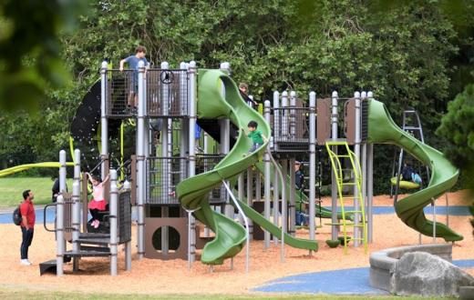 Wallingford-playfield-new-playground-seattle-best-new-playgrounds-seattle-bellevue-tacoma-eastside-south-sound