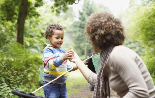 mom-and-child-outdoors-best-spring-march-events-seattle-kids-families-bellevue-tacoma-eastside