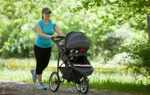Mom running with baby in stroller on paths around Seattle and the Eastside
