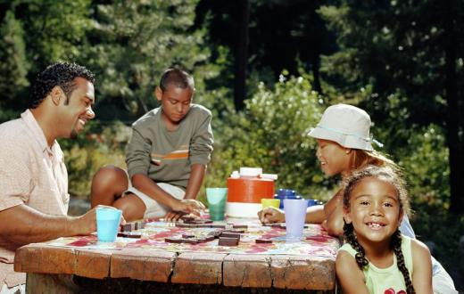 Family enjoying a picnic in Wenatchee, Washington