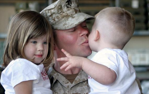 Military dad and kids on Veterans Day weekend best family events Seattle