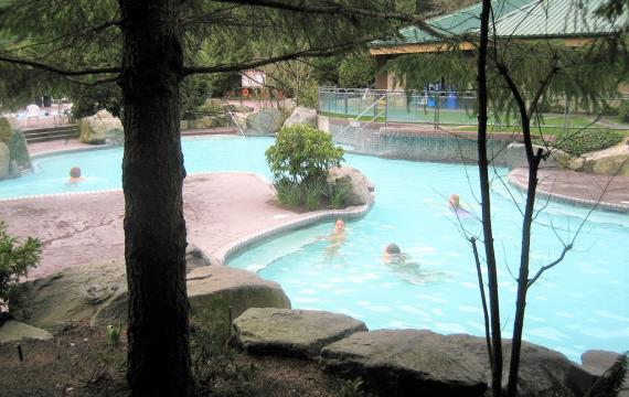 Hot-springs-getaways-northwest-families-washington-oregon