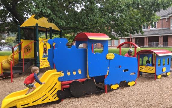 Depot-Park-Issaquah-best-eastside-parks-for-tots-trains-parents-fun