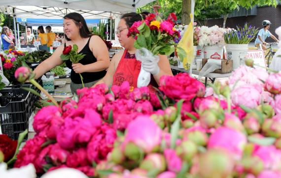 more seattle area farmers market to reopen this weekend with coronavirus safety measures