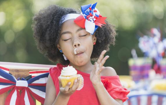 girl eating cupcake fourth of july picnic best weekend events for seattle families kids tacoma bellevue puget sound